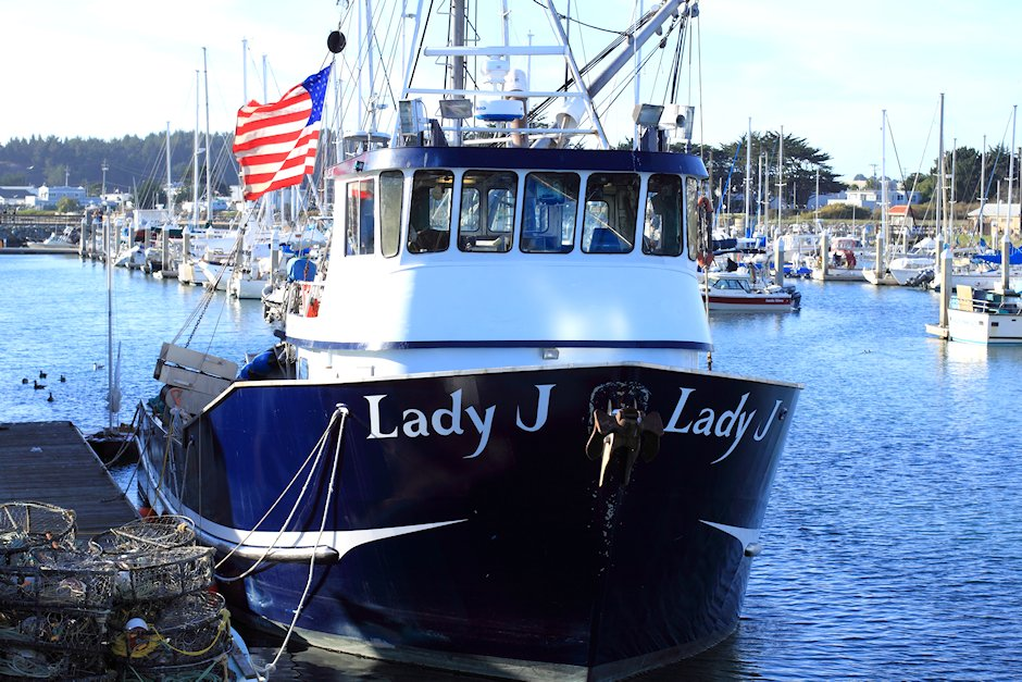 Crab fishing boats in half moon bay eye for life for Crab fishing boat