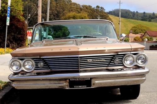 1960 Pontiac Bonneville 2